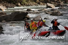 Rafting on Cheremosh river